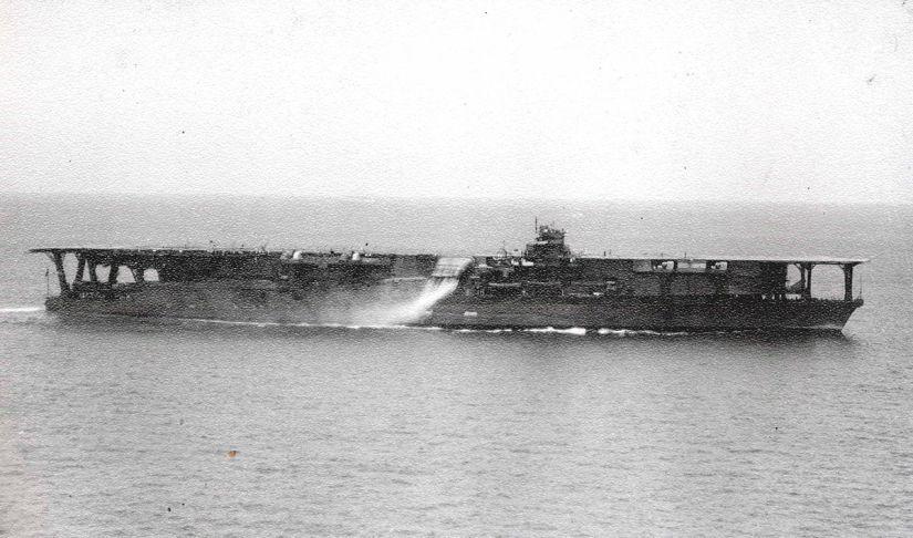1200px-Japanese_Navy_Aircraft_Carrier_Kaga